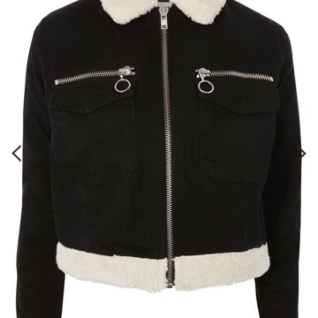 *reduced* BNWT Topshop Black denim jacket with fur trim