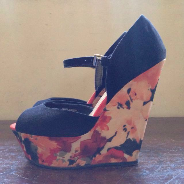 Repriced❗️Forever 21 Floral Wedges