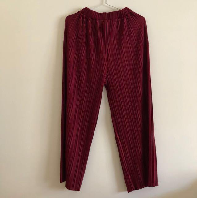 Ribbed red dress pants
