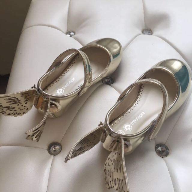 Sepatu anak merk Tree House size 25