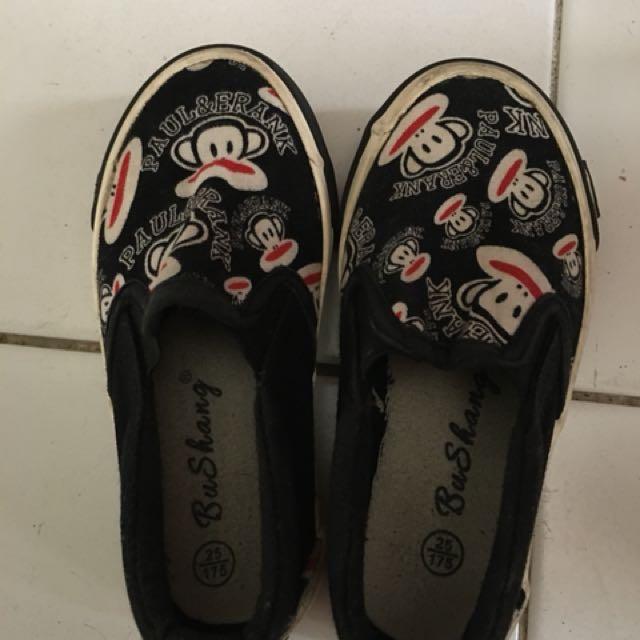 Sepatu Paul Frank