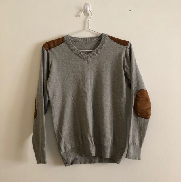 Shoulder and elbow padded grey sweater
