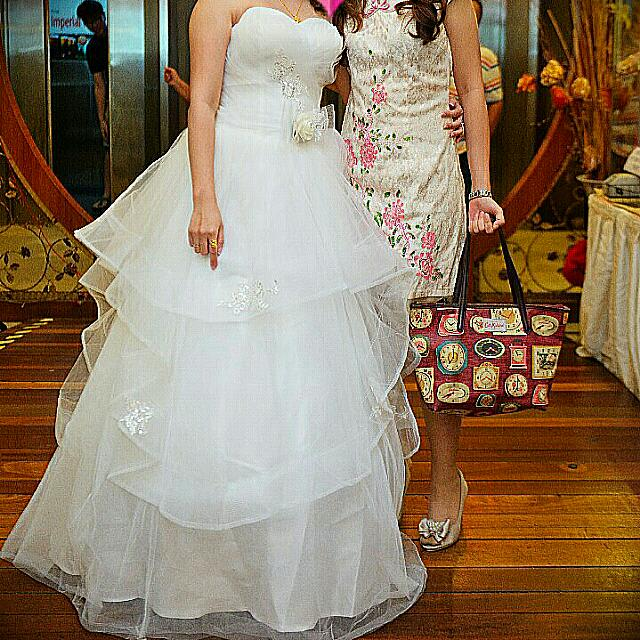 Snow white wedding gown womens fashion bridal wear on carousell junglespirit Image collections