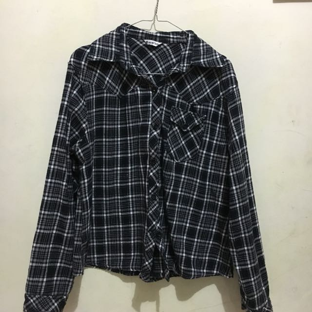 Squared Black shirty