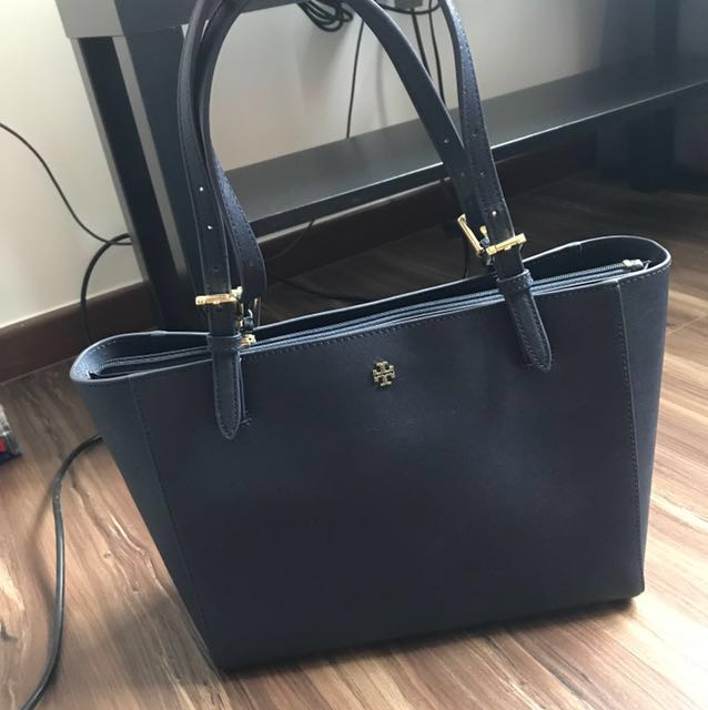 4920cffb3 Tory Burch small York tote bag - Navy blue, Women's Fashion, Bags ...
