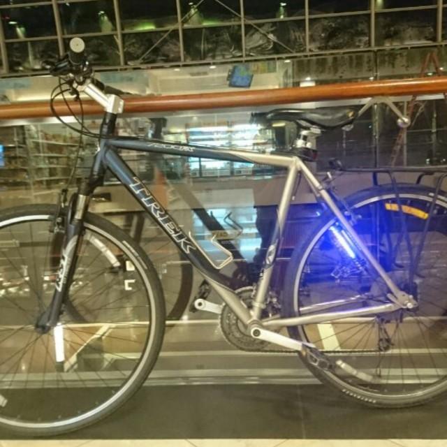 Trek 7 2fx Hybrid Together With Monkey Light M232 Bicycles Pmds