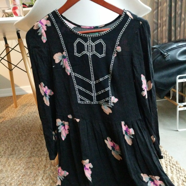 Urban outfitters long sleeve floral dress