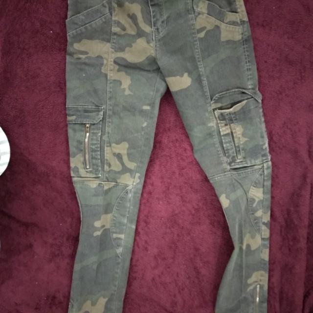 Zara army pants size Slim