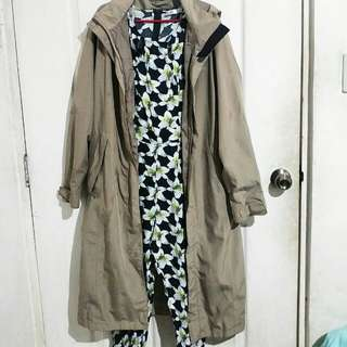 Basic trench coat with inner lining