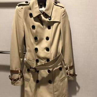 Burberry Classic Trench Coat 最後折上折💥   Burberry Honey classic color