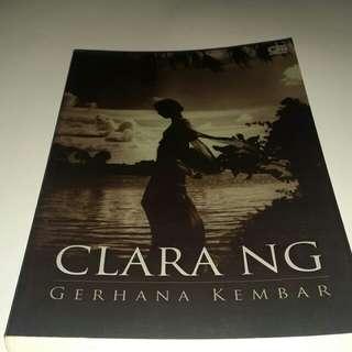 Gerhana kembar by Clara NG