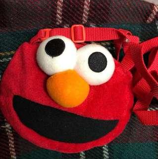 Elmo 側揹袋仔