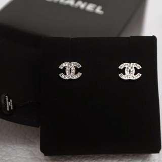 Chanel Small Classic 耳環有單補石保養