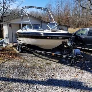 Glaston 28-foot boat
