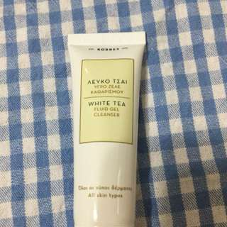 Korres white tea fluid gel cleaner