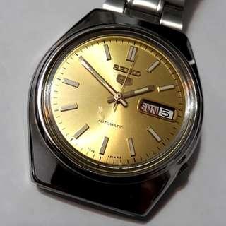 SEIKO 5 Automatic watch  Bezel 37mm
