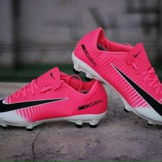 Sepatu bola Nike Mercurial Vapor XI Pink