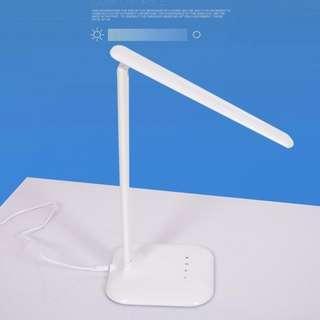 Lampu LED Lipat 300 Lumens.Putih.1,1kg. Garansi Toko 1 Bln.