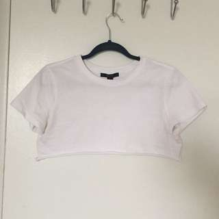 V short crop top white tshirt
