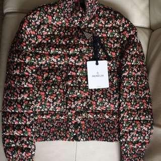 Size 2 胸49cm 全新Moncler flower down coat