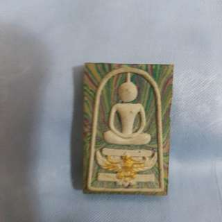 Lp pae old amulet with 3 gold takut