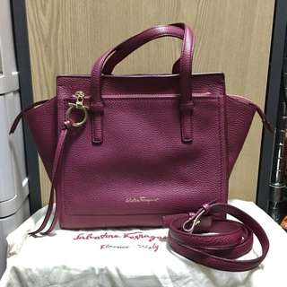 Salvatore Ferragamo  Mini Leather Crossbody  迷你皮革手提及斜挎包