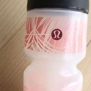 Lululemon drink bottle