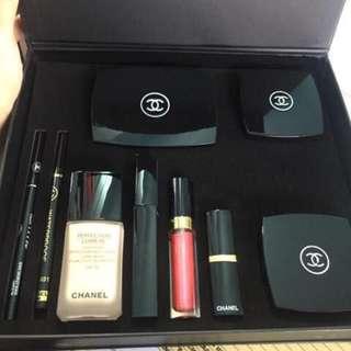 Chanel Make Up Set 9 in 1💥