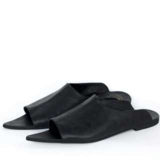 Slip shoes