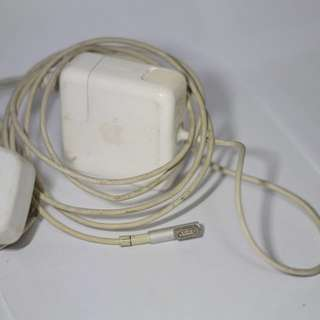 Urgent - Macbook 45W magsafe charger