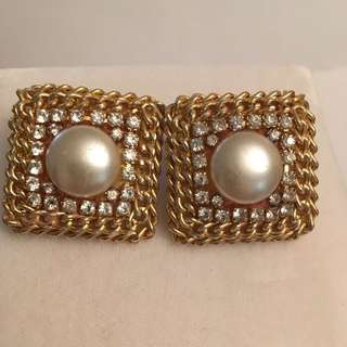 Vintage faux pearl & Rhinestones clip earrings
