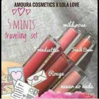 Amoura XLOLA travel set Lipmatte