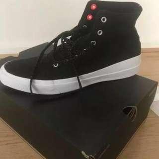 NEW Men's Black Converse