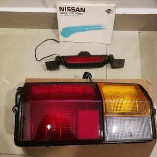 Nissan Van C22 rear light and Manual Book