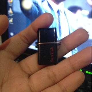 ORIGINAL SANDISK OTG (32 GB)
