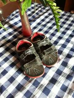 Sendal sepatu carvil