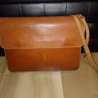 Vintage Carlo Rino real leather sling bag
