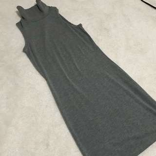 TURTLENECK fitted dress