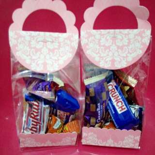 Pink pouch assorted Choco