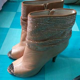 REPRICED! Open-toe Heeled shoes