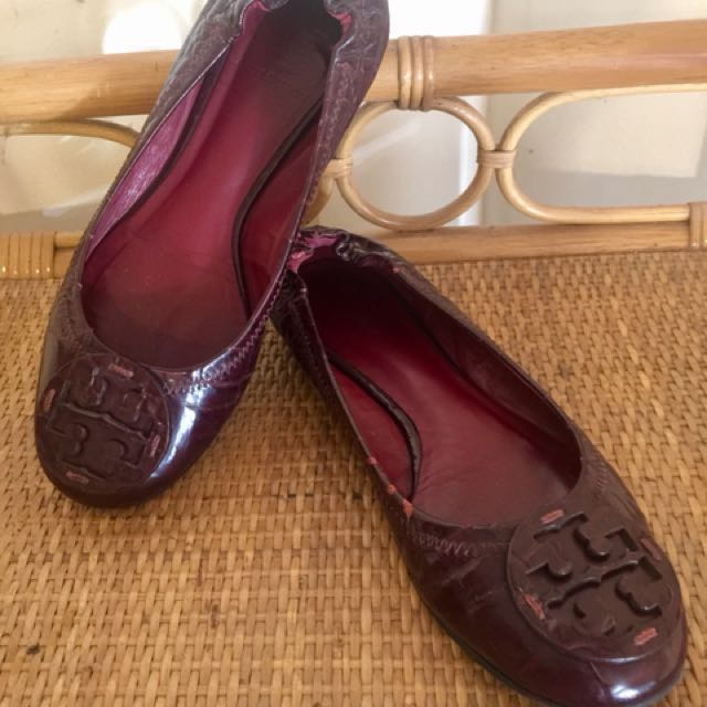 100% Authentic Tory Burch Reva Crocodile-Embossed Patent Leather Ballet Flats (in plum color)