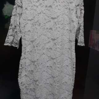 Dress brukat putih cantik