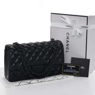 Chanel Ao Black Flap Classic