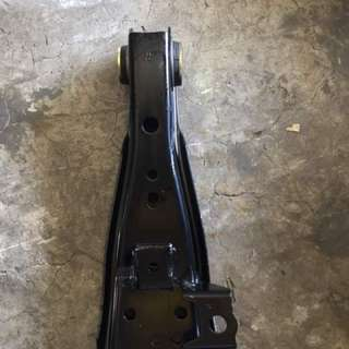 KDH200 lower arm