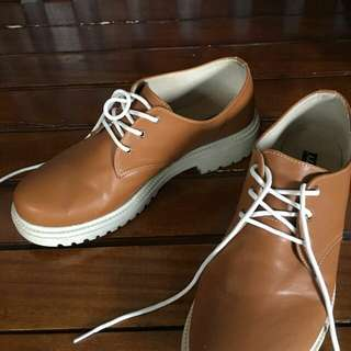 Vailey Oxford Brown