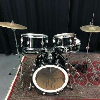 Pacific Drum kit by DW