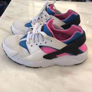 100%real Nike (只穿過一次接近全新)