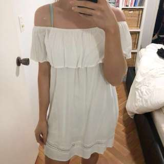 *REDUCED* White off shoulder dress size 8