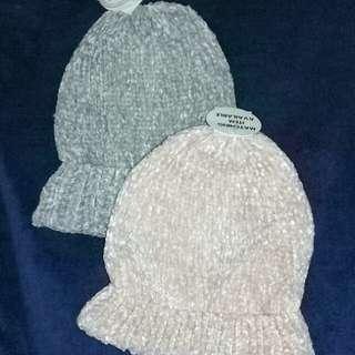 Soft bonnets from Nederlands