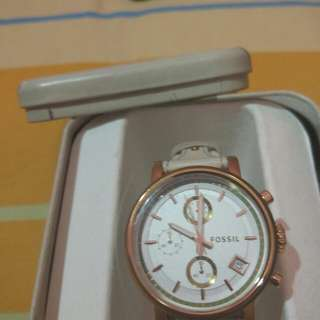 Fossil white with box